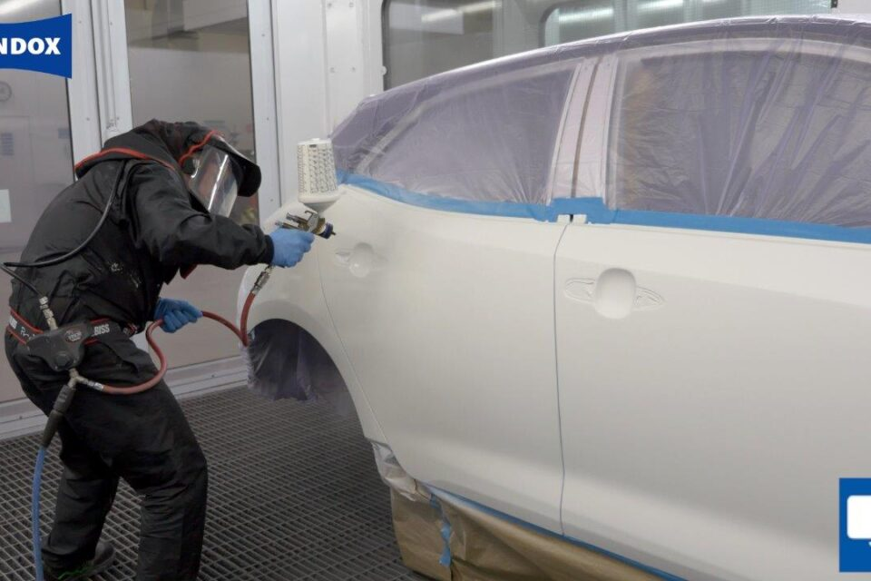 Standox shares tips for professional 3-Stage pearl repairs on large surfaces